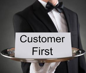 Guter Kundenservice erhöht den Absatz - © Andrey Popov / Fotolia.com