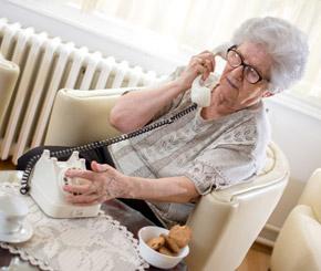 Senioren bereiten Probleme bei All-IP-Umstellung