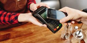 Apple vs. Google - Mobile Payment im Vergleich